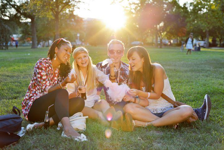 Campingleuchten und Solarlampen dürfen beim Picknick ebenfalls nicht fehlen.