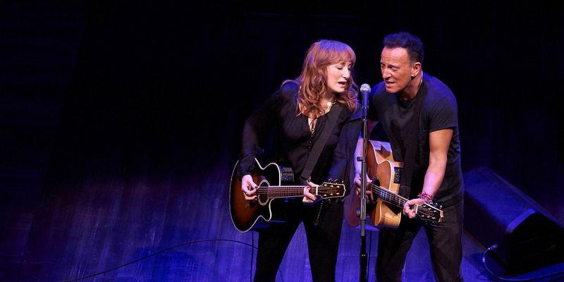 """Bruce Springsteen zeigt sein neues Album """"Springsteen On Broadway""""."""