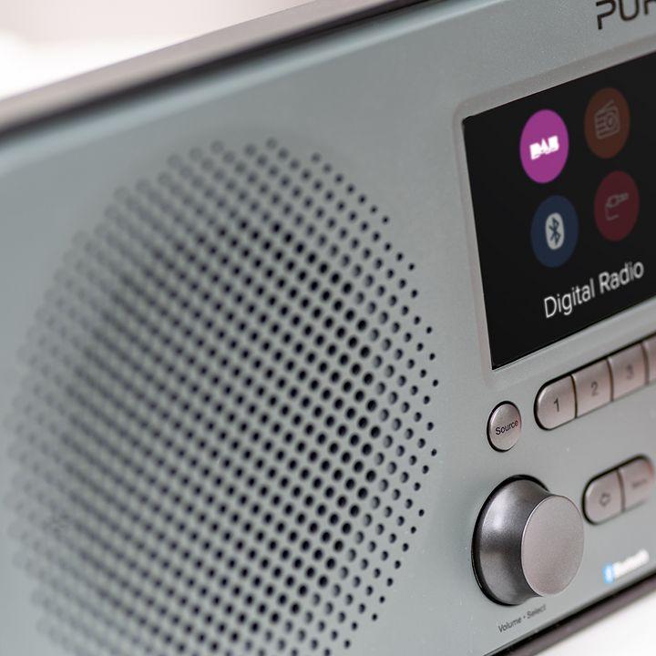 Mit dem Pure Elan BT3 werden Digitalradiosender gratis empfangen.