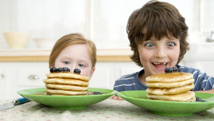 Sie können Pancakes und Palatschinken auch mit dem Mixer zubereiten.