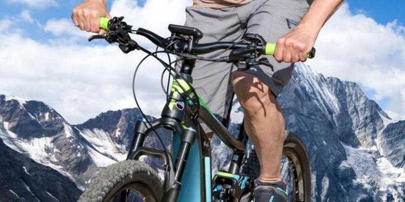 E-Mountainbikes unterstützen im Gelände.