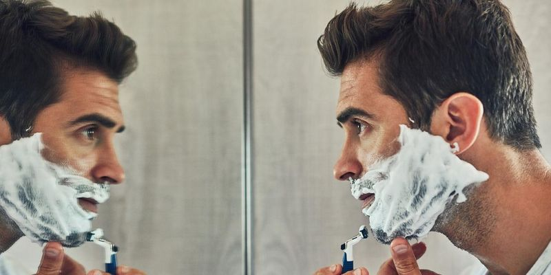 Manchmal muss der Bart ab.