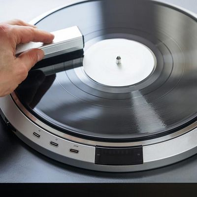 So reinigt man eine Schallplatte