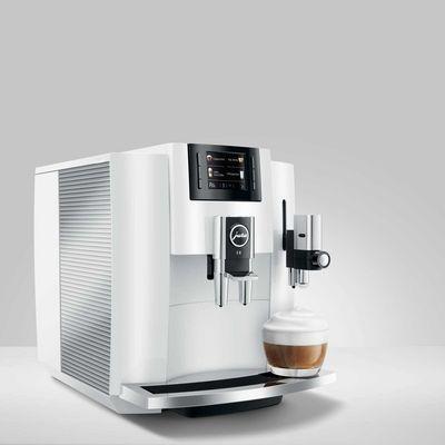 """Die Kaffeemaschine JURA """"Z8"""" ist auch optisch ein Highlight."""