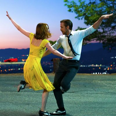 """Sebastian und Mia tanzen gemeinsam ins """"La La Land""""."""