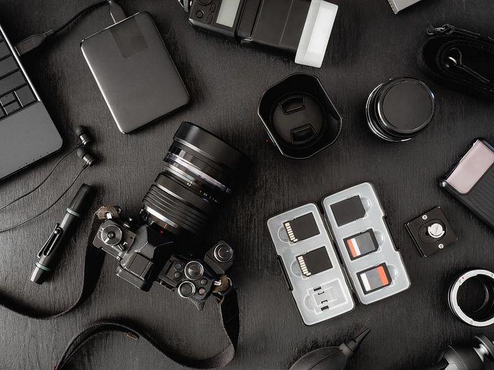 Die Kameraausrüstung will gut gepflegt werden.