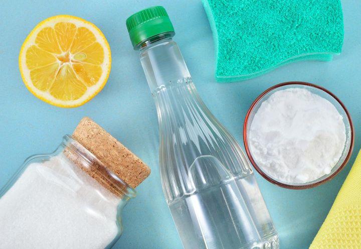 Von Hausmitteln wie Essig und Zitronensäure zur Reinigung von Kaffeemaschinen ist eher abzuraten.