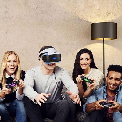 Mit der PlayStation VR-Brille tun sich neue Spielewelten auf.