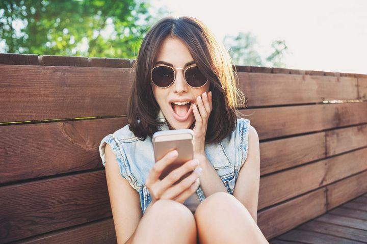 Mit diesen fünf Tipps übersteht das Handy problemlos den Sommer.