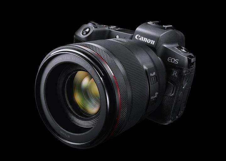 """Die erste spiegellose Vollformat-Kamera von Canon hört auf den Namen """"EOS R""""."""