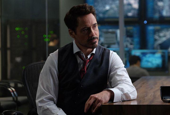 Tony Stark muss sich für eine Seite entscheiden.