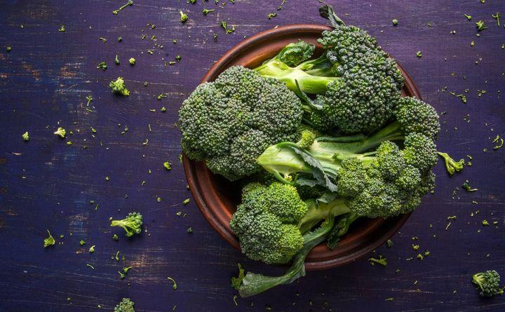 300 Gramm Brokkoli sind nach fünf Minuten in der Mikrowelle essfertig.