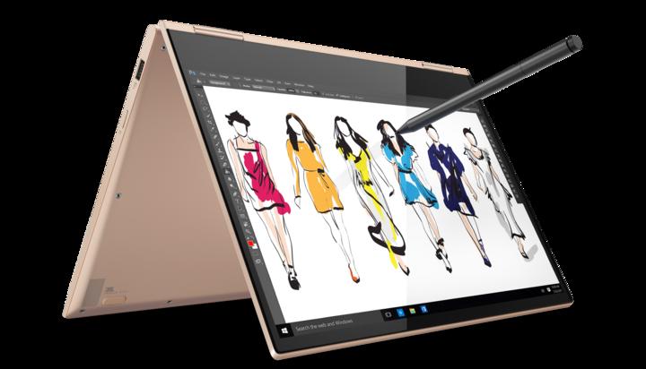 """Einen der größten Pluspunkte der neuen """"Yoga""""-Generation bildet die feinfühlige Touchfunktion des auf Wunsch um 360 Grad umklappbaren Displays"""