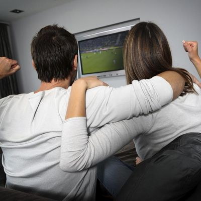 Fußball-Schauen mit Partner
