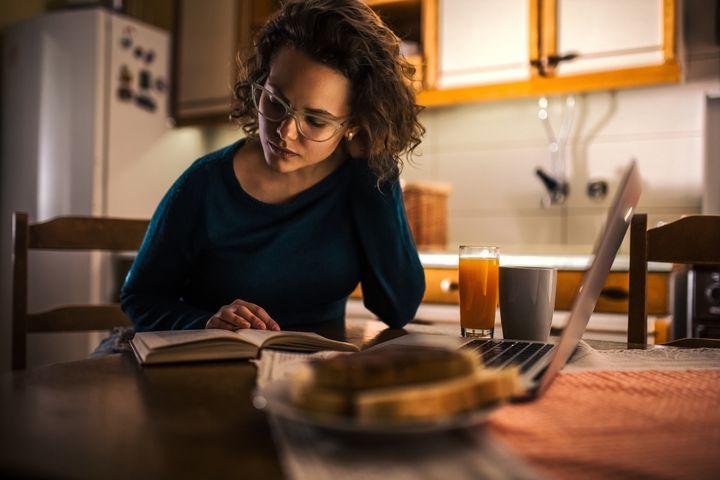 Geschirrspüler & Co. sollen ihre Arbeit möglichst leise verrichten.