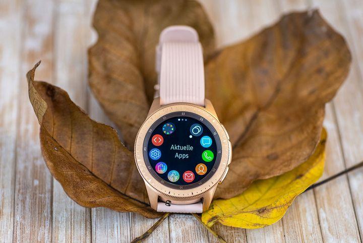 Die Smartwatch macht sich toll als Geschenk.
