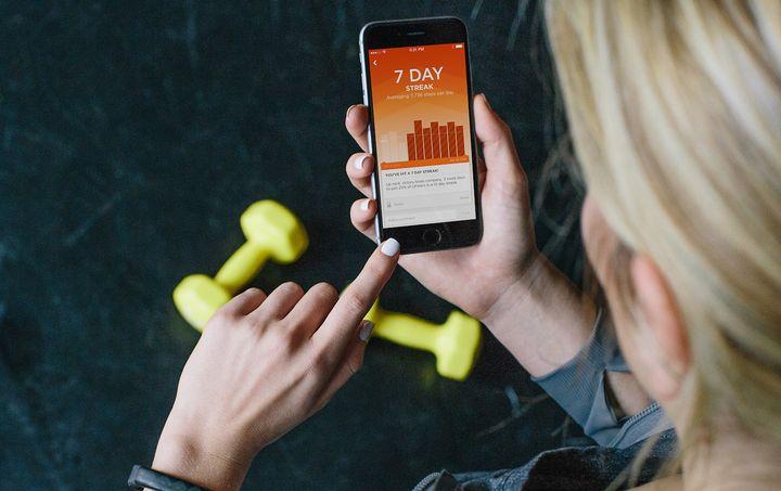 Bewegung und gesunde Ernährung können mit Wearables erfasst werden