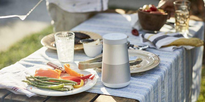 """Der """"SoundLink Revolve+""""-Speaker von Bose."""