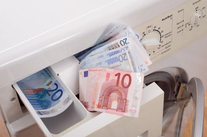 Energieeffizienz, Schleuderklasse und Lautstärke sind wichtige Kriterien beim Waschmaschinenkauf.