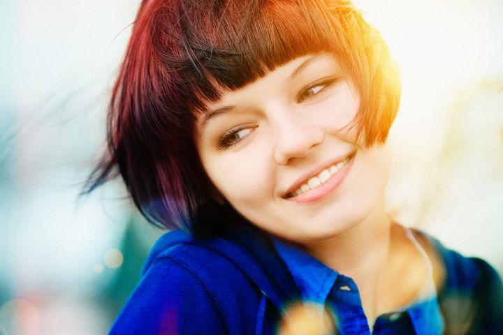 Feines Haar sollte nicht öfter als zwei Mal die Woche geglättet werden.