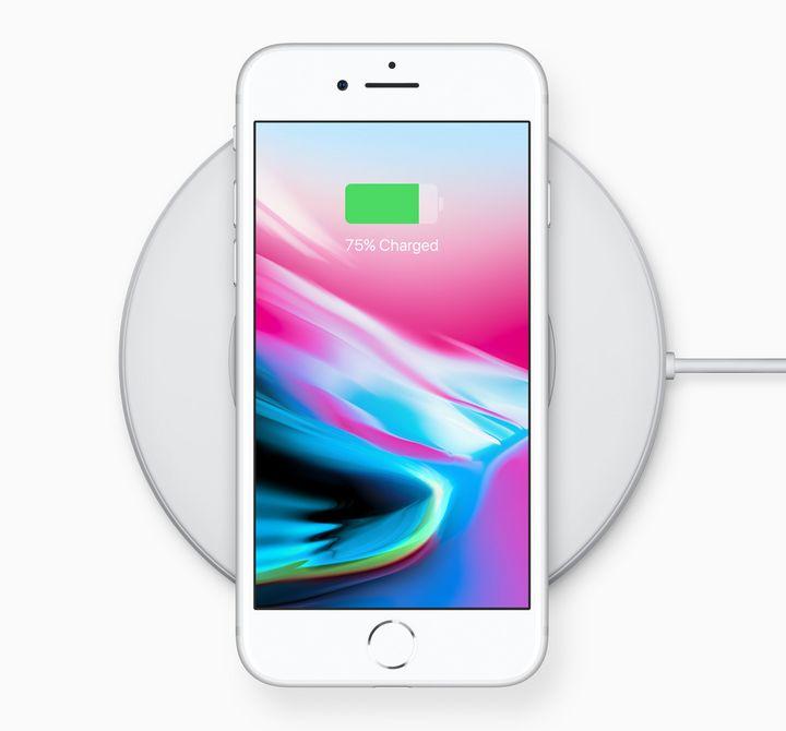 """Das """"iPhone 8"""" lässt sich kabellos aufladen!"""