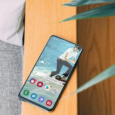 Hier sind sommerliche Wallpaper für das Samsung Galaxy S10.