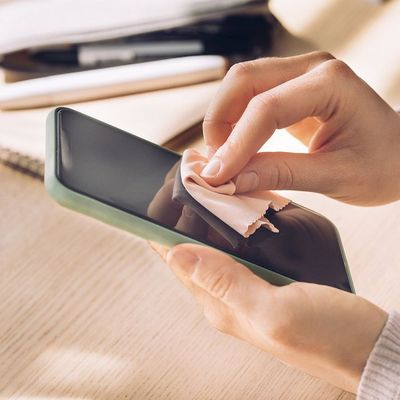 So wird der Handy-Bildschirm wieder sauber.