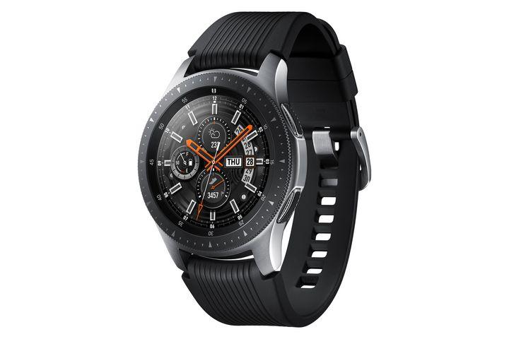 Die Smartwatch ist ein Schmuckstück am Handgelenk.