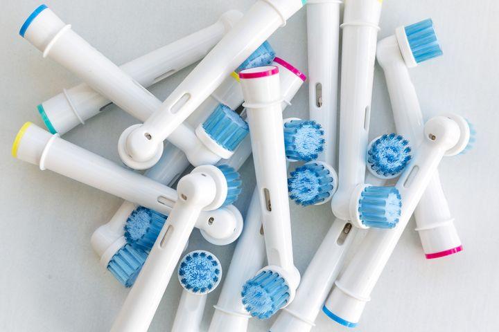 Aufsätze für elektrische Zahnbürsten