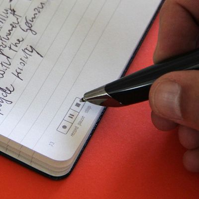 Smart schreiben mit Smartpen und Papier.