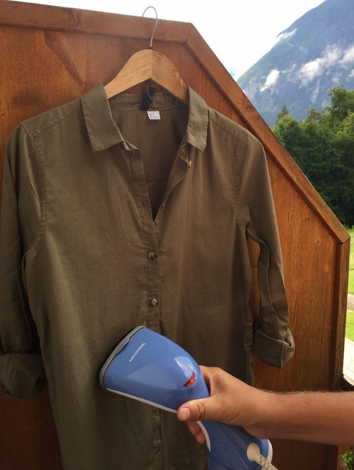 Die Dampfleistung der Grundig Fashion Brush Dampfbürste ST 5550 beträgt 20 g pro Minute.