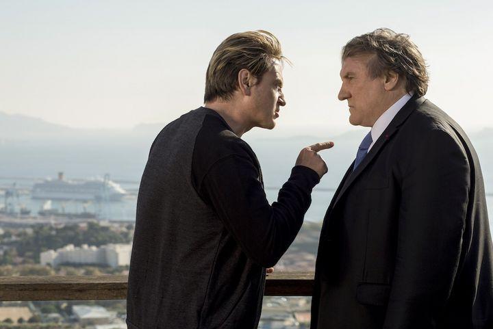 Gérard Depardieu brilliert als Robert Taro, dem Bürgermeister von Marseille.