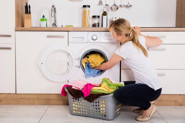 Unterbaufähige Waschmaschine.