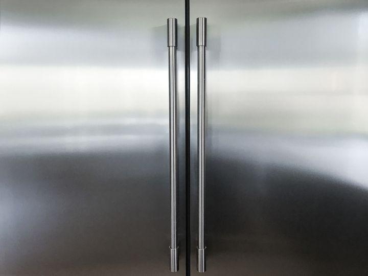 Bei einer Gefriertruhe entweicht beim Öffnen weniger kalte Luft als bei frontal zu öffnenden Gefrierschränken.