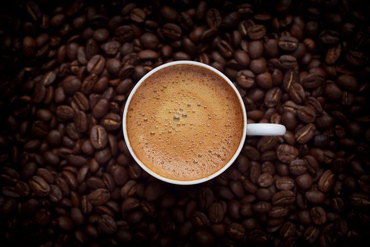 Arabica-Kaffee gilt im allgemeinen als bekömmlicher und geschmacklich ausgewogener.