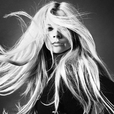"""Avril Lavigne ist mit ihrem Album """"Head Above Water"""" zurück."""