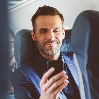 Muss das Handy im Flugzeug ausgeschaltet werden?