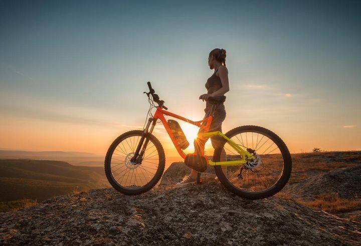 Im Stadtverkehr sind E-Bikes für Kurzstrecken ideal.