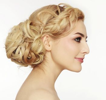 Festliche Frisuren - Hochstecken liegt im Trend - mediamag.at