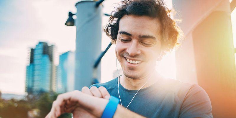 Wir erklären die Technologie hinter der Herzfrequenzmessung am Handgelenk.