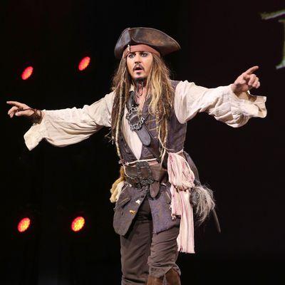 Johnny Depp mimt wieder Jack Sparrow.