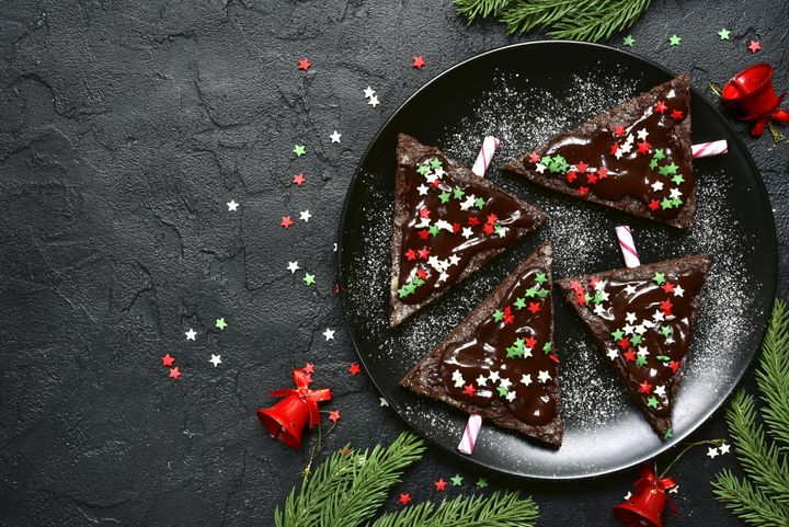 Schokoglasur und Streusel sind das Minimum an Deko für Weihnachtsbäckereien.
