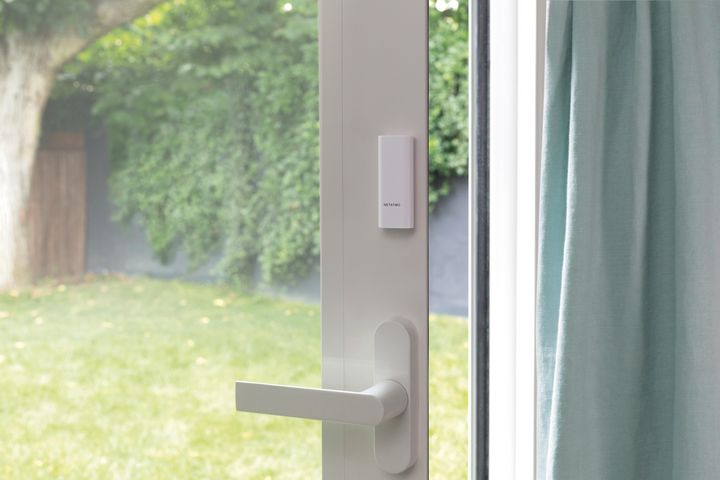 Ein weiterer, sinnvoller Baustein zur Sicherung des Zuhauses sind smarte Tür- und Fensterkontakte.