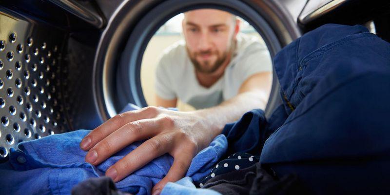 Die neue Grundig Waschmaschine verspricht ein sauberes Outfit in 120 Minuten.