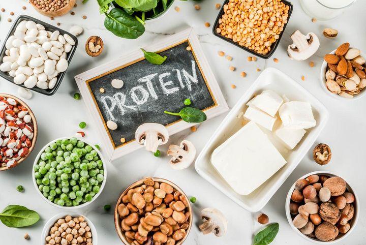Proteine stecken u. a. in Linsen, Tofu und Eiern.