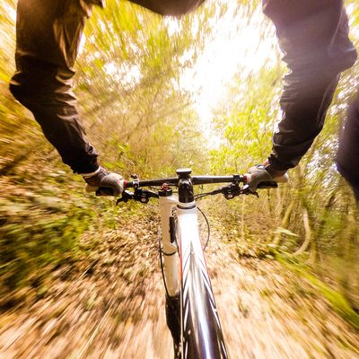 Downhill mit Moutainbike und Action-Cam