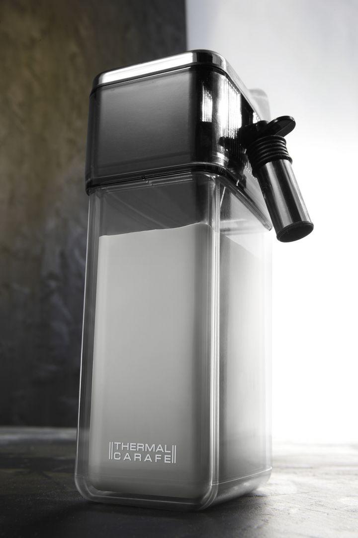 Der Milchbehälter der De'Longhi PrimaDonna Elite