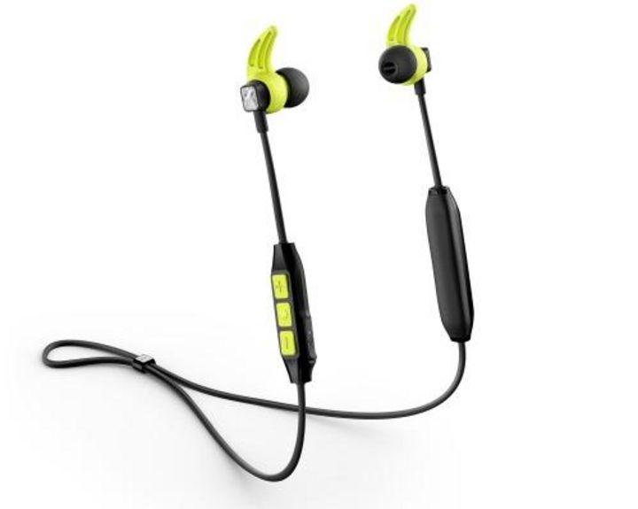 """Der In-Ear-Bluetooth-Kopfhörer """"Sennheiser CX Sport"""" ist schweiß- und spritzwasserresistent."""