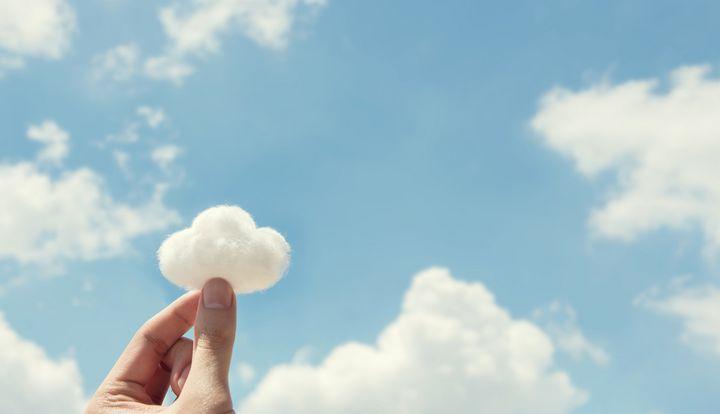 Die Cloud speichert Daten und führt Programme aus.