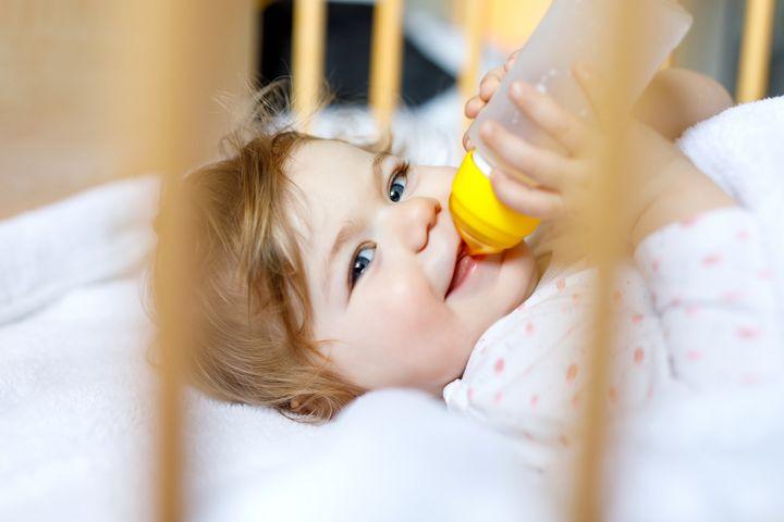 Wohltemperierte Babynahrung sollte in etwa Körpertemperatur besitzen.